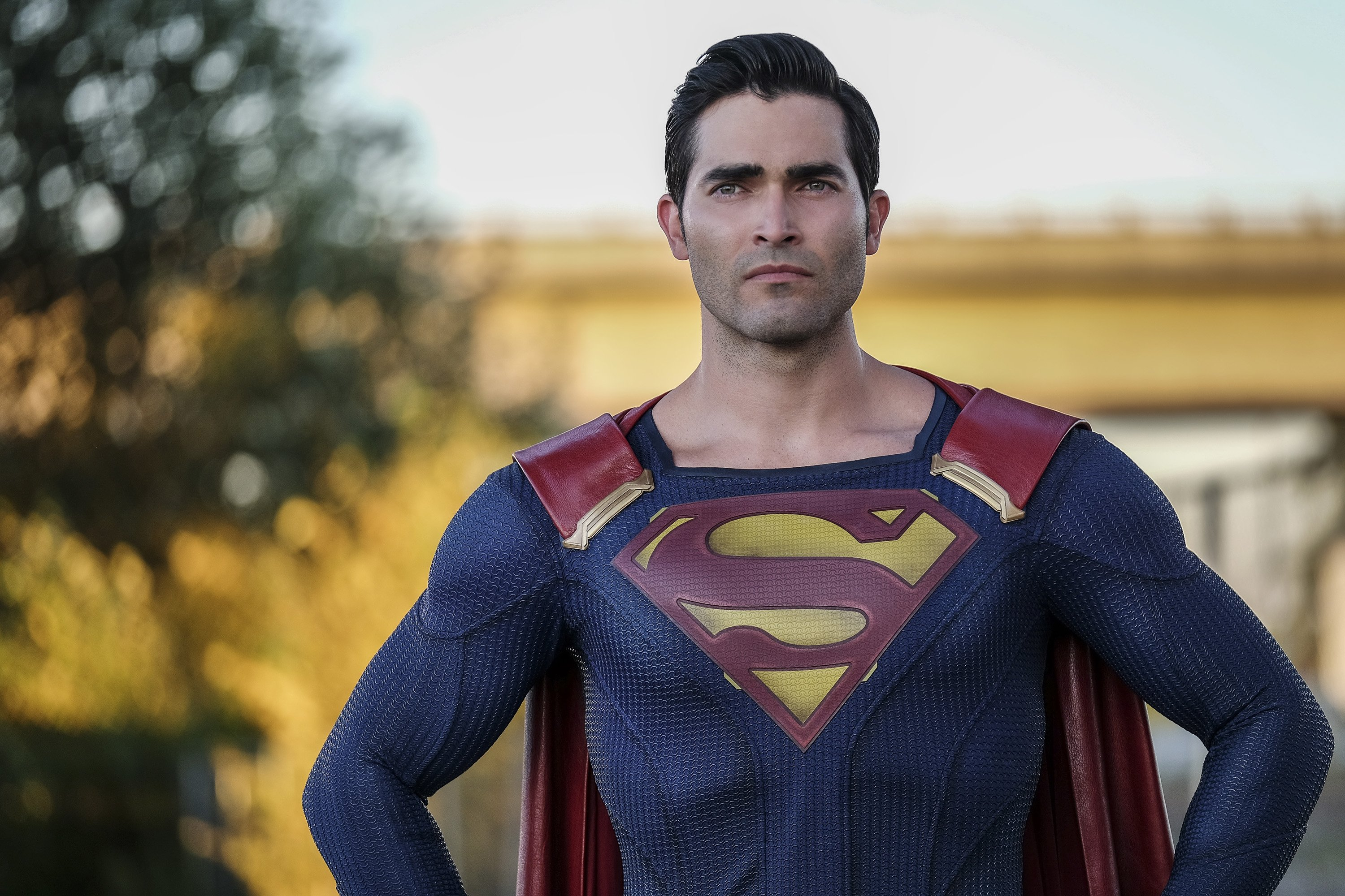 Superman Has A Black Costume In This Year's Crossover